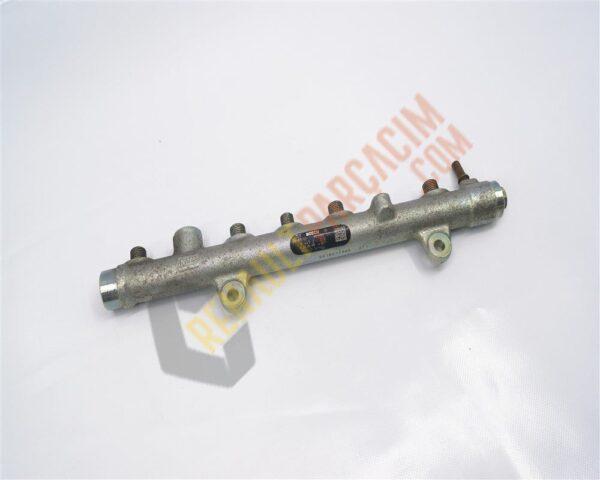 Megane 2 Scenic 2 F9Q 1.9 Yakıt Rampası 8200620689