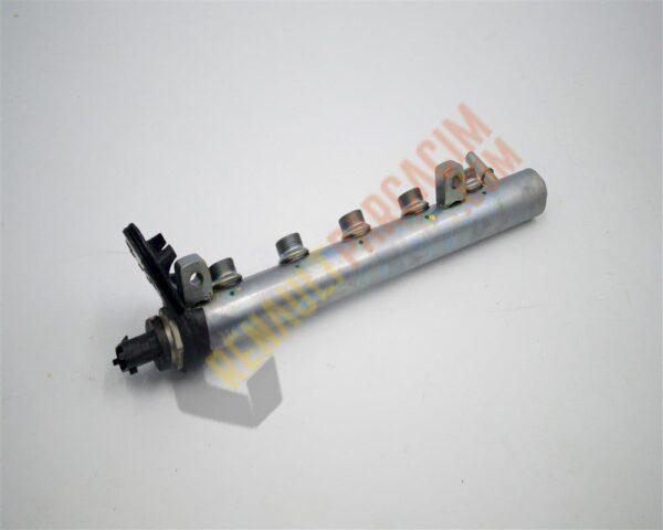 Trafic 3 R9M Enjektör Yakıt Rampası 175216420R